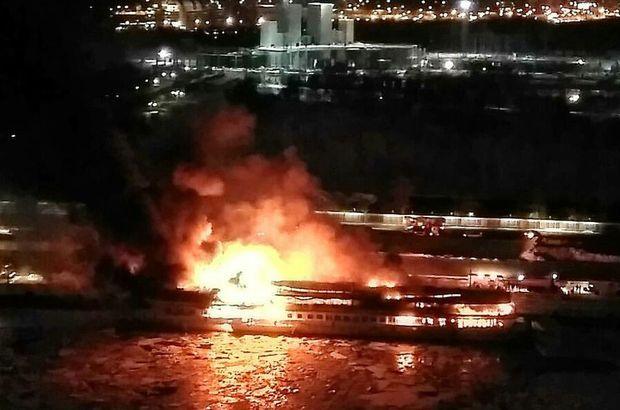 Moskova'da eğlence gemisi alevler içinde kaldı!