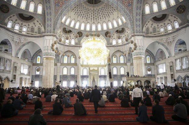 Bursa Cuma saati - 2 Mart bugün Bursa'da Cuma namazı saat kaçta?