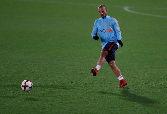 Sneijder suskunluğunu fena bozdu