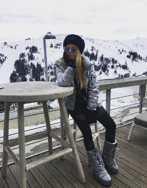 """Yasmin Erbil'den """"lolita"""" paylaşımı - Magazin haberleri"""