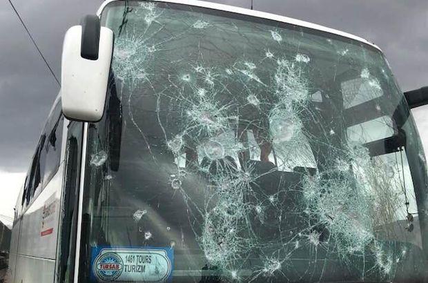 Komandaları uduzdu, rəqibin avtobusunu daşa basdılar -