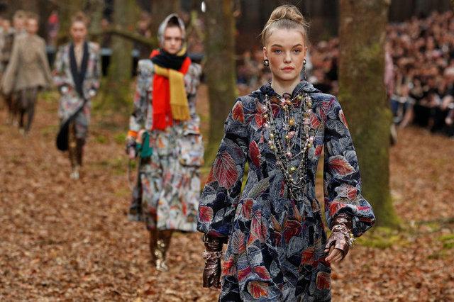 2018 Paris Moda Haftası'nda feminizm rüzgarı!