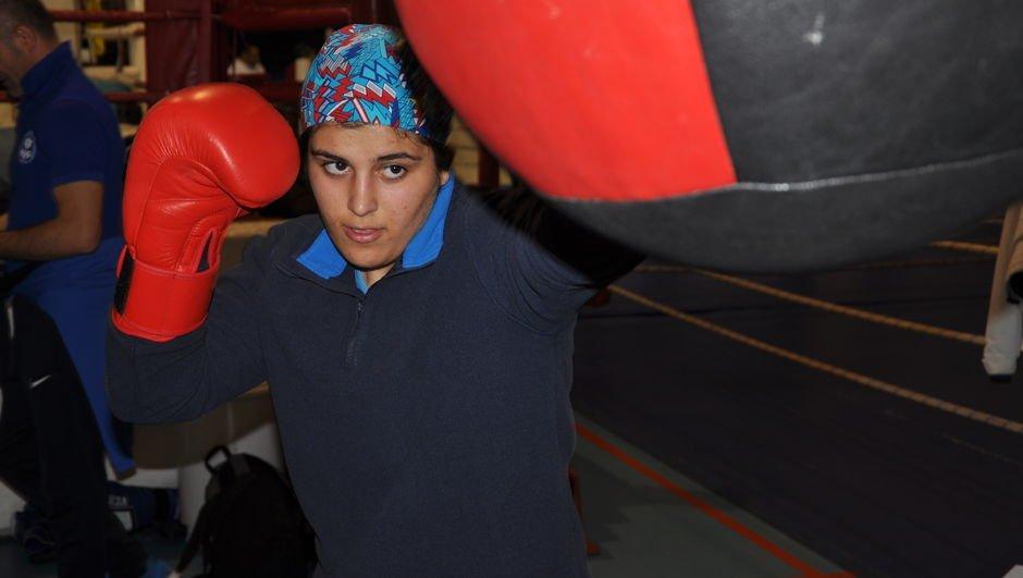Türk kadınının gücünü olimpiyatlarda göstermek istiyorlar