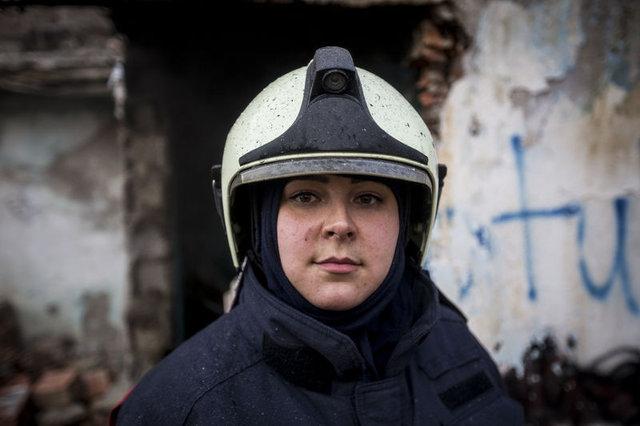 Başkentin tek kadın itfaiyecisi alevlere meydan okuyor