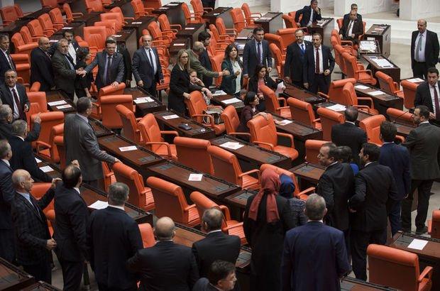 Meclis'te 'Afrin' kavgası! 3 milletvekili yaralandı