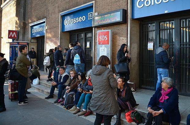 İtalya'da işçiler greve gitti