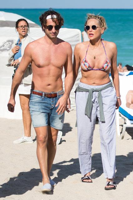 Sharon Stone erkek arkadaşıyla Miami'de - Magazin haberleri