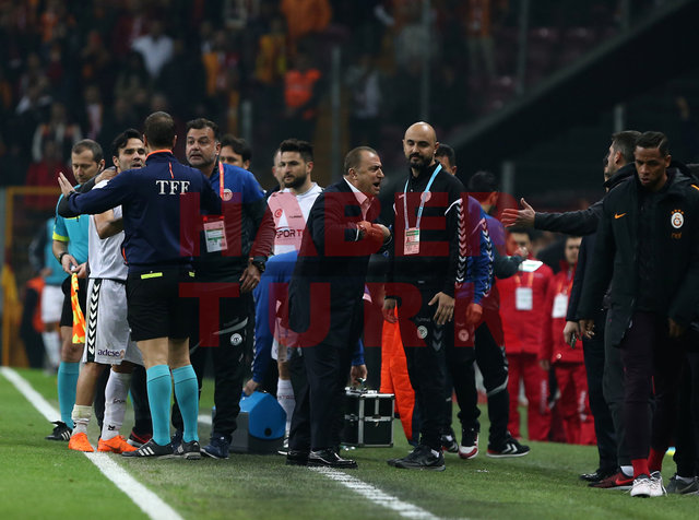 Galatasaray Konyaspor maçında 2. golden sonra stat sallandı 19