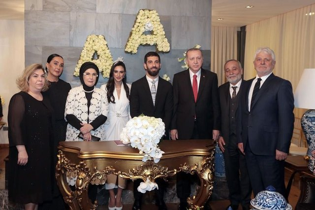 Arda Turan ile Aslıhan Doğan'ın nikahındaki detaylar ortaya çıktı   - Magazin haberleri