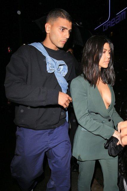 Kourtney Kardashian partiye böyle gitti! - Magazin haberleri