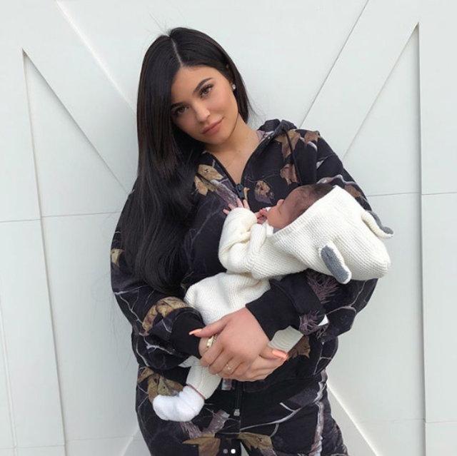 Kylie Jenner'ın yeni arabasına takipçilerinden sert eleştiri - Magazin haberleri