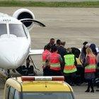 Trabzon'a acil iniş yapan ambulans uçak yeniden havalandı