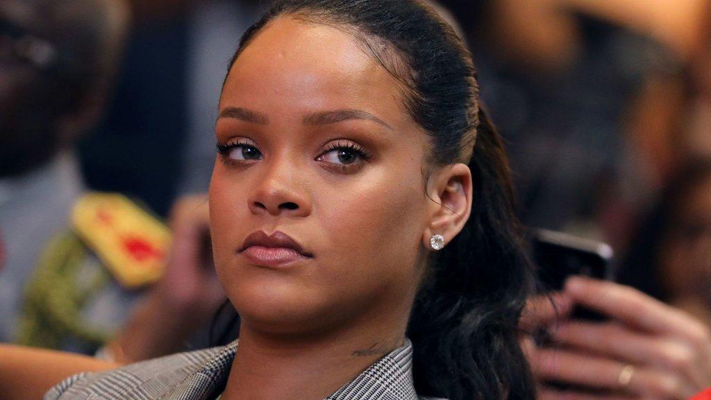 Rihanna'ya şiddet ayıbı
