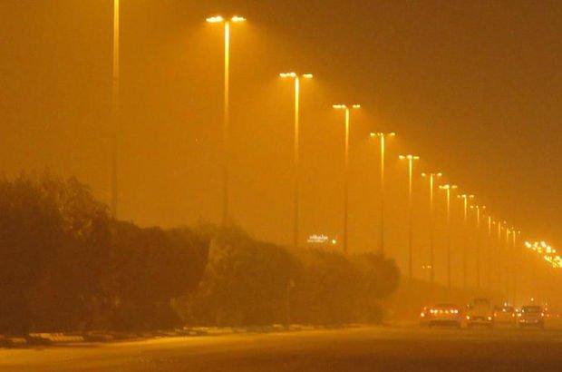 Irak'ta kum fırtınası! Esnaf kepenk indirdi