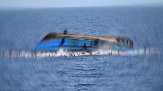 Ege'de facia! Göçmenleri taşıyan bot battı