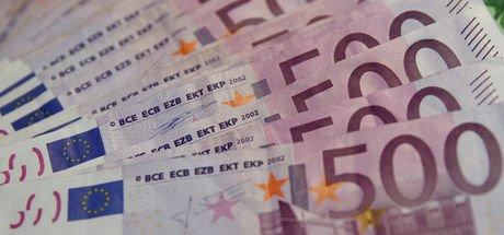 Euro rekor kırdı, dolar yükseliyor