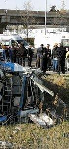 Ankara-İstanbul yolunda yolcu minibüsü devrildi! Yaralılar var