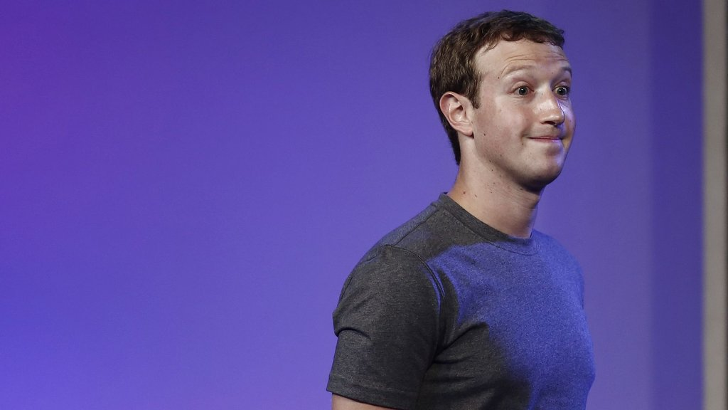 Zuckerberg fazla mesaide: Skandal yüzünden gece gündüz çalışıyor!