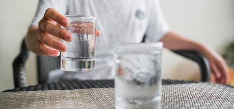 """""""Gereğinden fazla su içmek metabolizmayı bozuyor"""""""