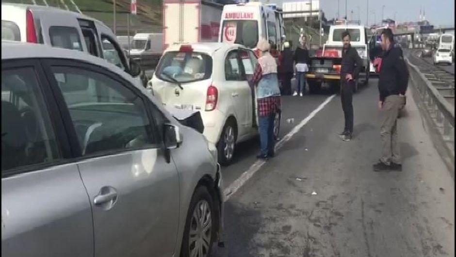 D-100 Karayolu'nda kaza! Uzun araç kuyrukları oluştu