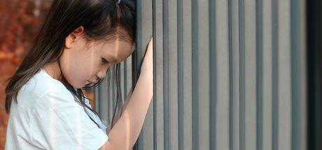 Çocuğun cinsel istismara uğradığı nasıl anlaşılır? Cinsel istismara uğramış çocuk ve aile neler yapmalı?