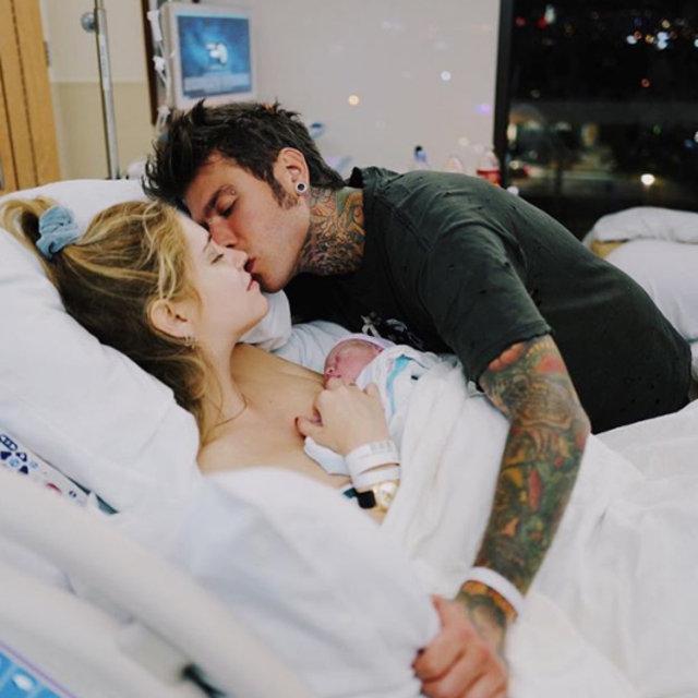 Chiara Ferragni ve Fedez'in bebekleri Leone dünyaya geldi - Magazin haberleri
