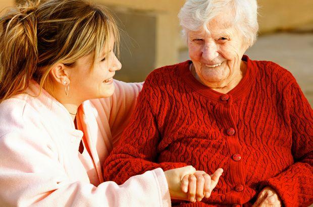 Kadınlar daha yalnız yaşlanıyor!
