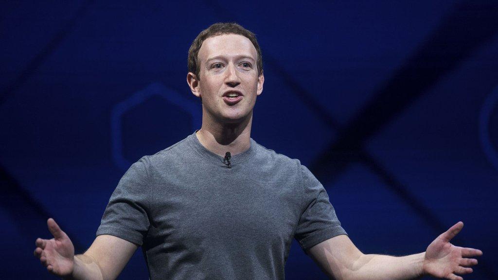 Ünlü isim, milyonlarca takipçisi olan Facebook sayfalarını sildi!