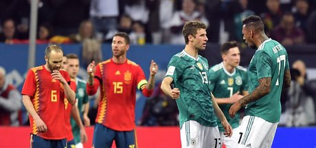 Almanya İspanya maçında konuk ekip kaçtı, Thomas Müller yakaladı!