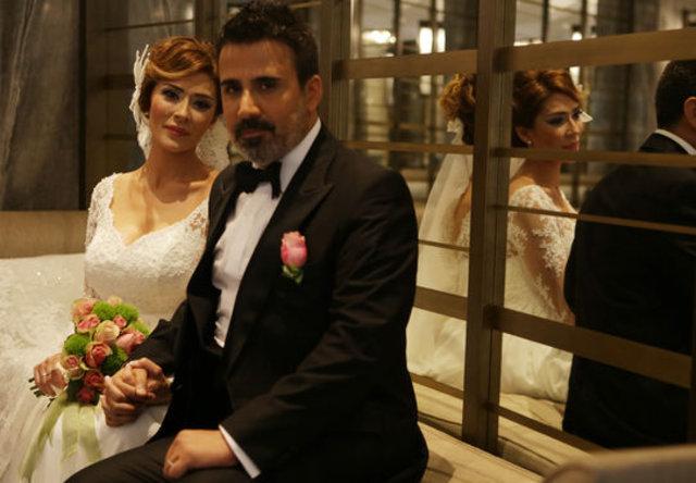 Şarkıcı Emrah'tan eşi Sibel Erdoğan'dan 8 milyon TL'lik hediye - Magazin haberleri