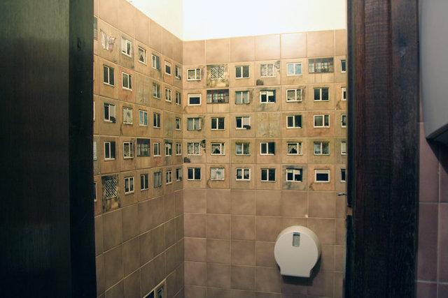 Litvanya'yı karıştıran şehir manzaralı tuvalet!