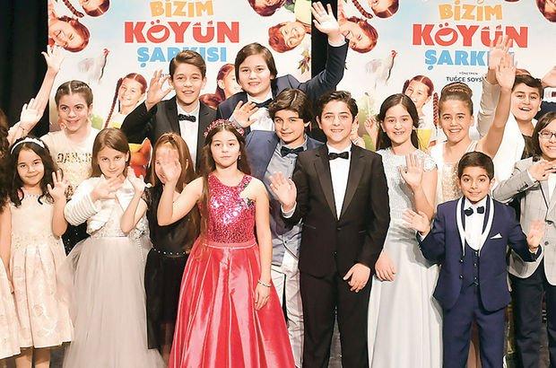 'Bizim Köyün Şarkısı' filminin özel gösterimine ünlü isimler çocuklarıyla katıldı - Magazin haberler
