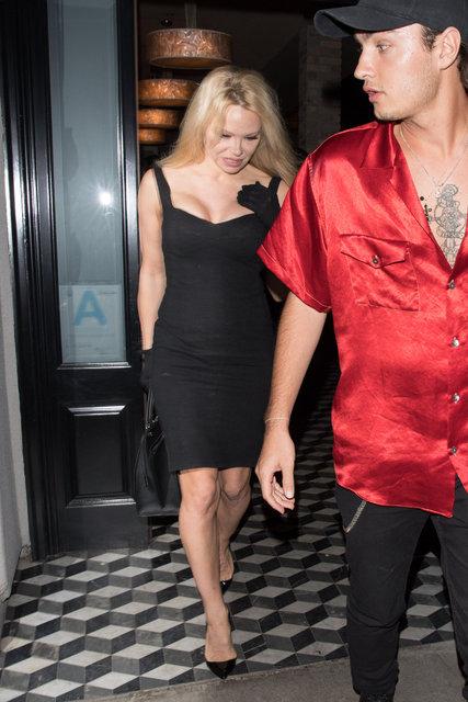 Pamela Anderson ile oğlu Brandon Thomas Lee, Los Angeles'ta görüntülendi