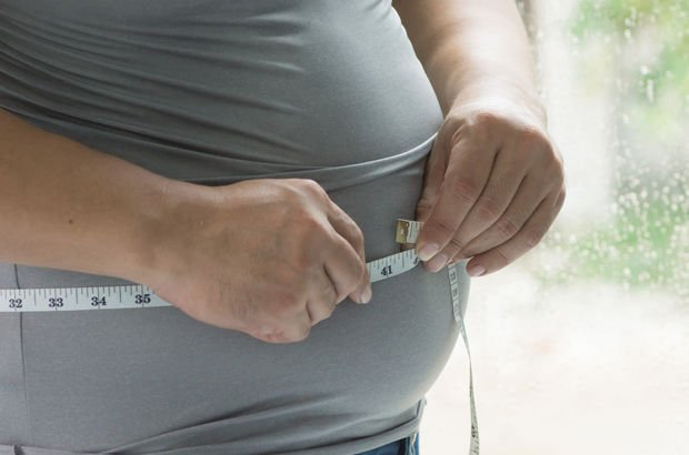 Kilolulara kötü haber! Bakın kilo ömrünüzden kaç yıl çalıyor?