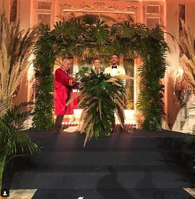 Ünlü sunucu Simge Fıstıkoğlu ile Emir Tavukçuoğlu evlendi
