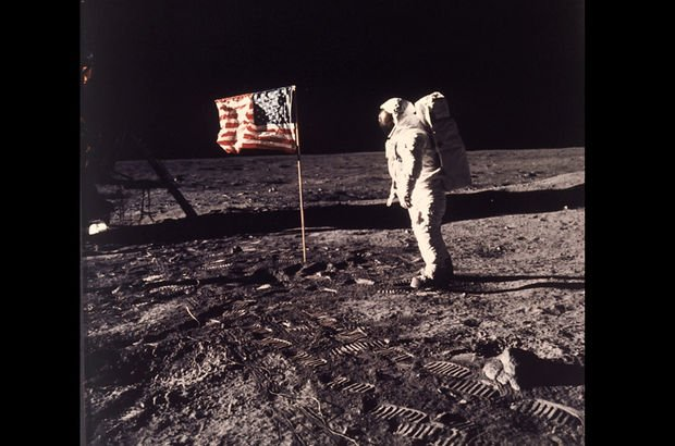 NASA'nın efsanevi astronotları yalan dedektöründen geçti!