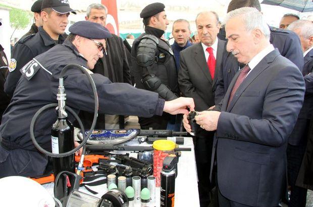 Vali Süleyman Kamçı yanlışlıkla biber gazı sıktı