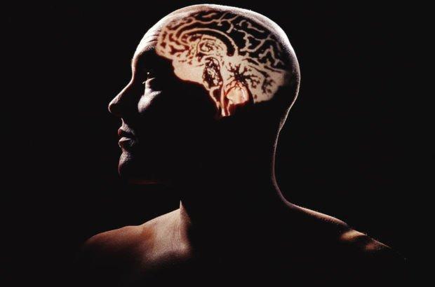Felçli hasta beynindeki elektrot sayesinde hissetmeye başladı