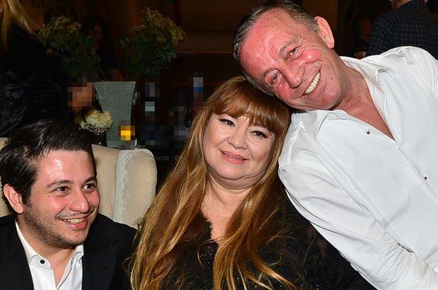 Ali Ağaoğlu'ndan eşi Semra Ağaoğlu'na sürpriz doğum günü