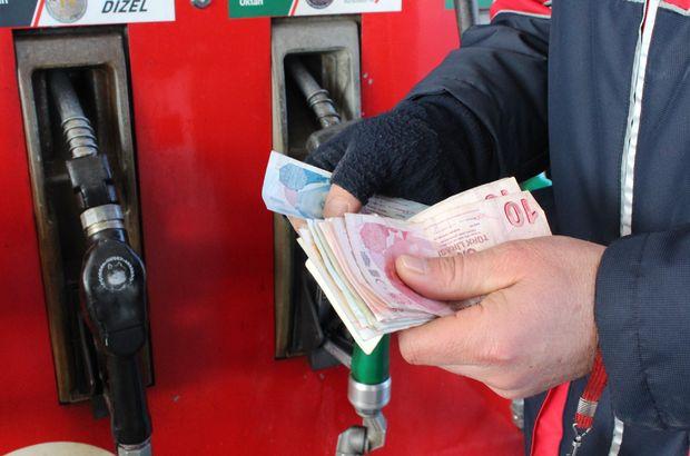 İki bakandan 'dolar' ve 'benzin' açıklaması