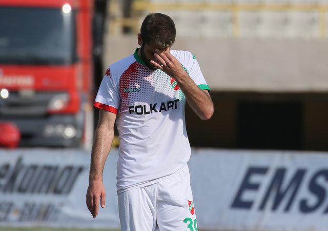 Karşıyaka 38 yıl sonra 3. Lig'e düştü! Gözyaşlarını tutamadılar...
