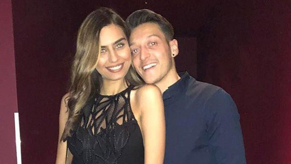 Amine Gülşe - Mesut Özil