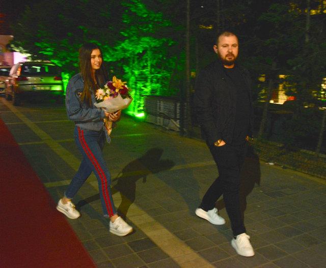 Afra Saraçoğlu: Biz sadece arkadaşız - Magazin haberleri