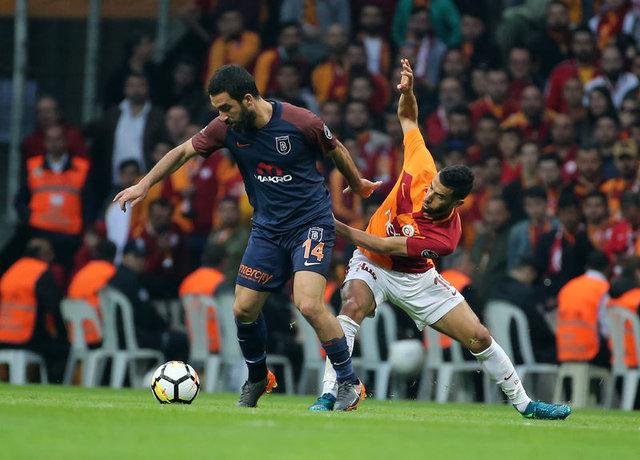 Galatasaray Başakşehir maçının devre arasında olay... Arda Turan: Önce insan olacaksın