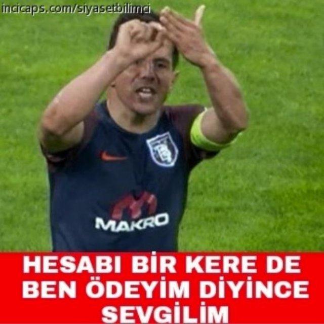 Galatasaray - Başakşehir maçının ardından capsler coştu!