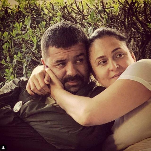 Bülent Şakrak'tan eşi Ceyda Düvenci'ye evde sürpriz doğum günü - Magazin haberleri