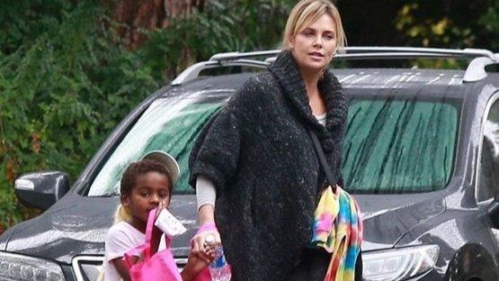 İki siyahi çocuğu olan aktristen ırkçılık isyanı: ABD'den gidebilirim