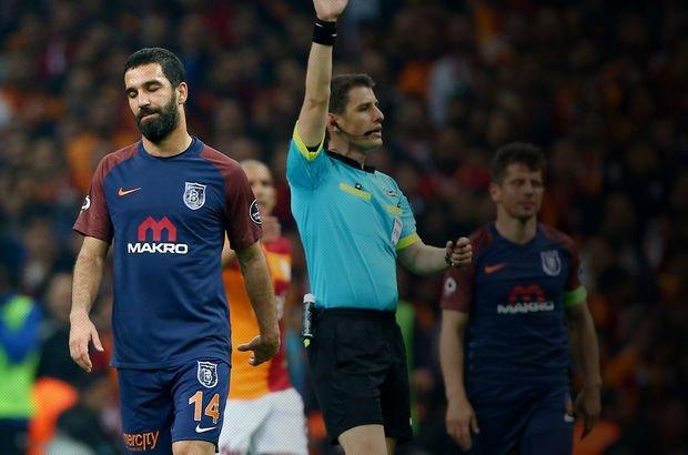Galatasaray - Başakşehir maçının devre arasında olay!