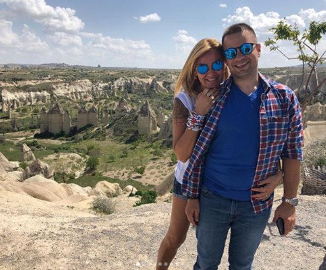 Pınar Altuğ ile eşi Yağmur Atacan 10. evlilik yıldönümlerini kutladı - Magazin haberleri
