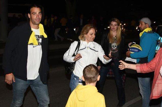 Sarp Levendoğlu sevgilisi Derya Şensoy'la ilk kez fotoğraf paylaştı - Magazin haberleri